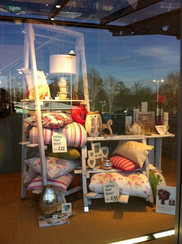 25 best ideas about visual merchandising displays on for Retail store window display ideas