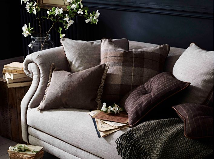 The Luxurious Hartford Sofa Extra Comfy With Cushions And Throws