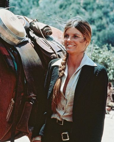 Katharine Ross. Hair + Color, Outfit, Horse :)