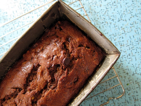 Spiced Zucchini Bread with Chocolate by @Jeannette of Everybody Likes Sandwiches: Food Recipes, Chocolate Bread, Zucchini, Sweet, Bake Bread Break, Bread Break Bread, Creative Food, Chocolate Recipes, Delicious Breads