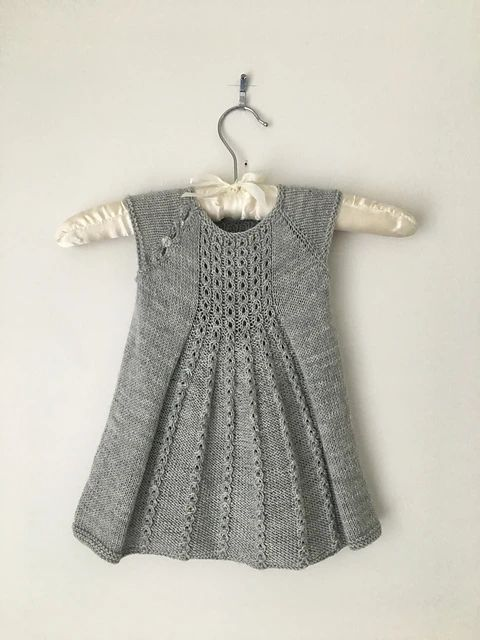 Marian Dress pattern by Taiga Hilliard Designs