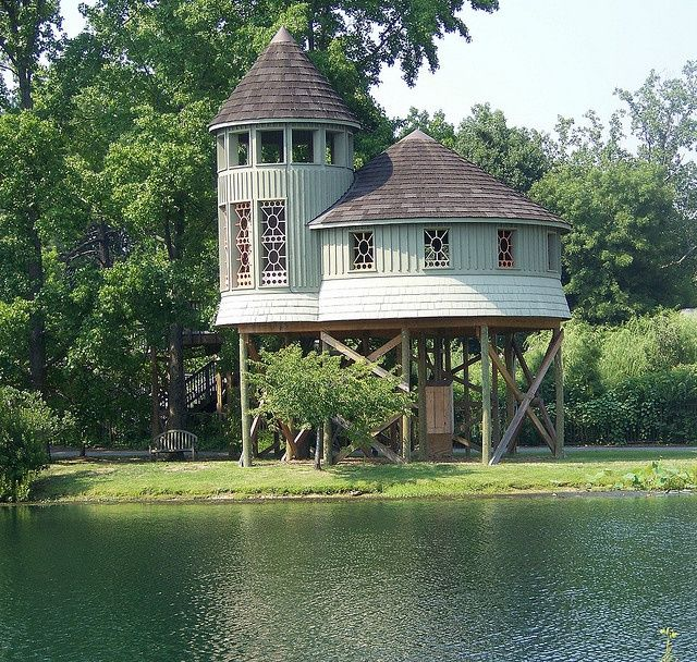 35 best images about houses on stilts on pinterest for Stilt homes for sale