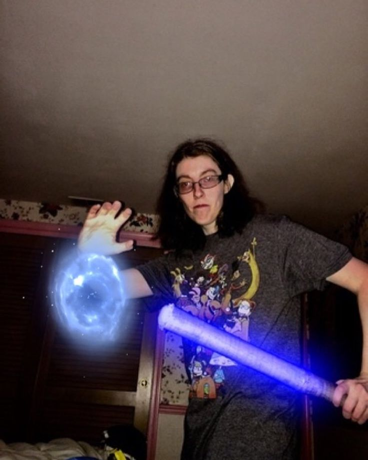 A throwback picture. #starwarscosplay #starwarscosplayer #starwarsfan #starwarsday #starwarsnerd #starwarsnight #starwars #starwarslife #jedi #jeditraining  #cosplay #cosplaying #cosplayer #chicagocosplayer #lightsaber #maytheforcebewithyou #throwbackthursday #tbt
