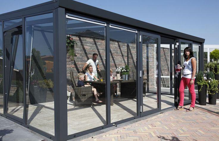 Marquises modelo 2/ marquise de jardim ou terraço estruturada em perfis de alumínio, cobertura em painéis de vidro duplo, pode ser alterada para outros materiais, fachadas em painéis de vidro duplo podem ser alteradas a nível de materiais e dimensões.