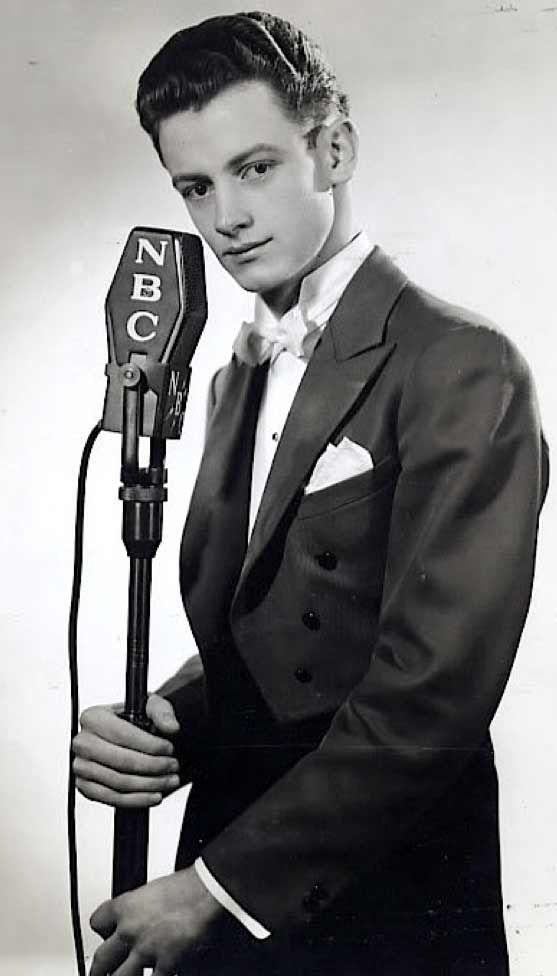 A very young Art Carney (November 4, 1918 - November 9, 2003) American actor.