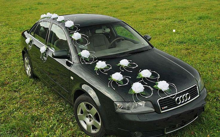 Svadobná výzdoba na auto ratanové krúžky biele