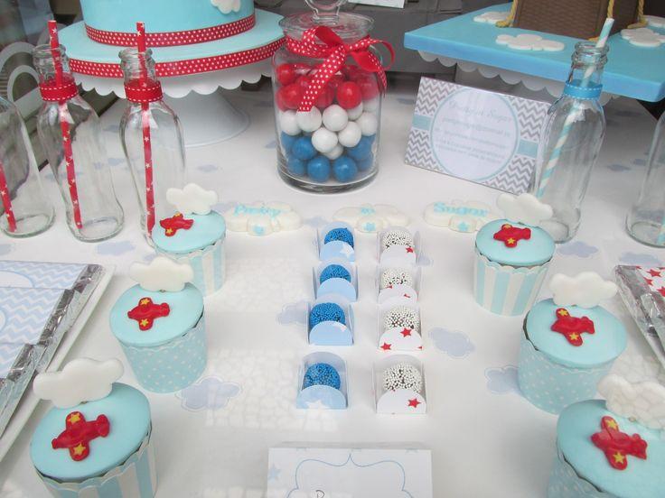 Up and away - Dessert table made for a Cake Design shop window display | Arte&Bolos, rua 5 de Outubro, Funchal