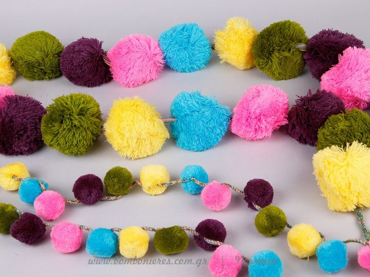 Ιδέες διακόσμησης με γιρλάντες pom pom | bombonieres.com.gr