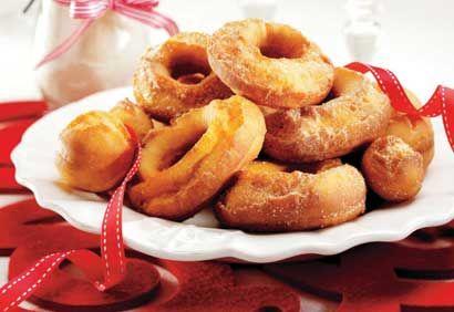 Recette Beignes au sucre à l'ancienne - Coup de Pouce.  Mes beignes sont plus plats mais goûtent délicieux!