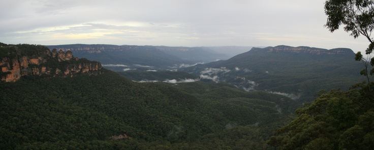Blue Mountains vista from Katoomba to Mt Solitary