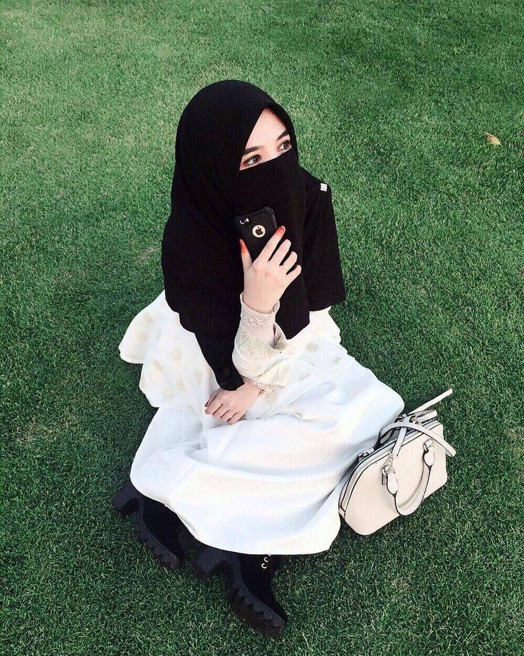 Menanti adalah hal yang paling menjenuhkan namun akan menjadi hal yang menyenangkan jika semuanya karena Allah.. .  #Lensa #Muslimah Dari Sudut Yang Indah .  Like  Share and Tag 5 Sahabat Muslimahmu .  Follow  @MuslimahIndonesiaID  Follow  @MuslimahIndonesiaID  Follow  @MuslimahIndonesiaID  . Join Us @MuslimahIndonesiaID   Karena Muslimah #Sholehah Itu Istimewa by @qeylabies  #duniajilbab #wanitasaleha #beraniberhijrah #tausiyahcinta #sahabattaat #sahabatmuslimah #Hijab #Jilbab #Khimar…