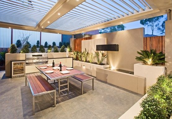 Vergola offers solutions to make eating outside enjoyable. Sit in the shade even when the day is at its sunniest!   vergola-automated-roof-systems-outdoor-kitchen