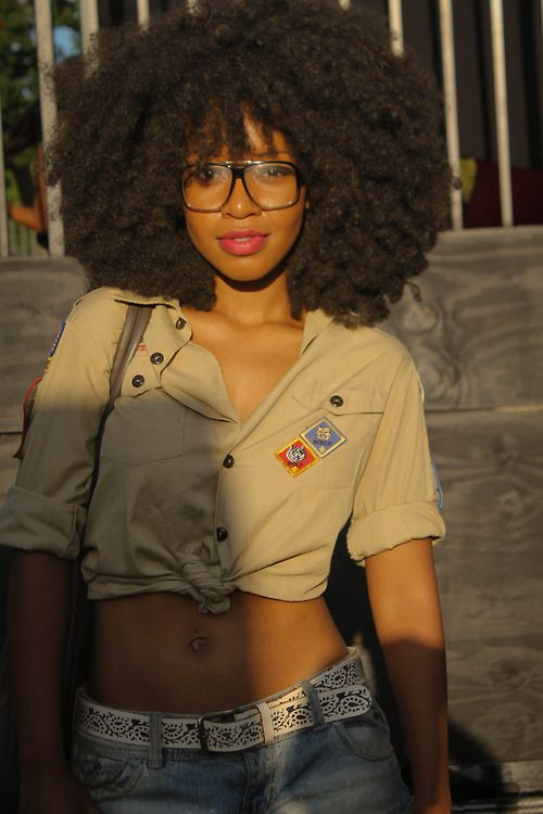 thursdaynightlife: her hair omg ♥  I can't wait til my hair gets as full as hers!    18° 15' N, 77° 30' W    Black Girls Killing ItShop BGKI NOW