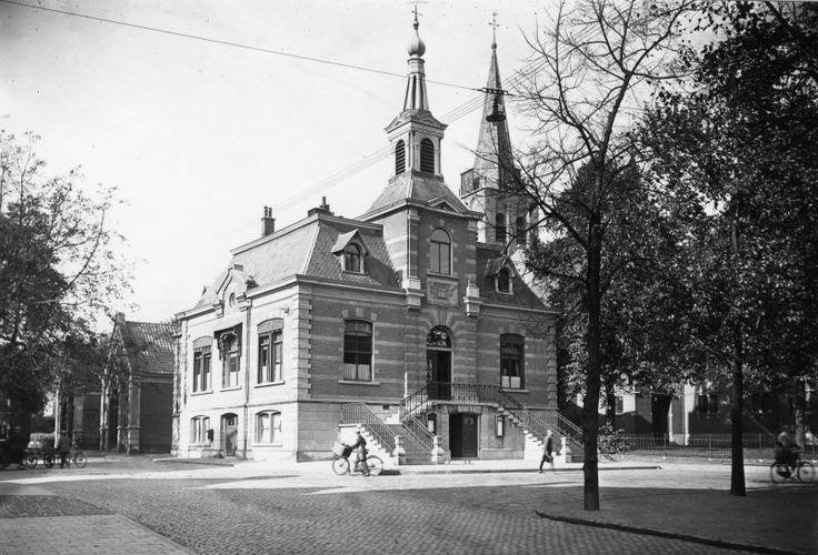 Voorgevel oude raadhuis, Kerkbrink 6, 1930