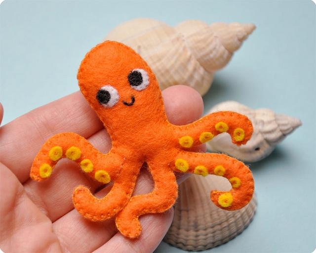 Capt. Octopus Felt brooch by Memi The Rainbow, via Flickr