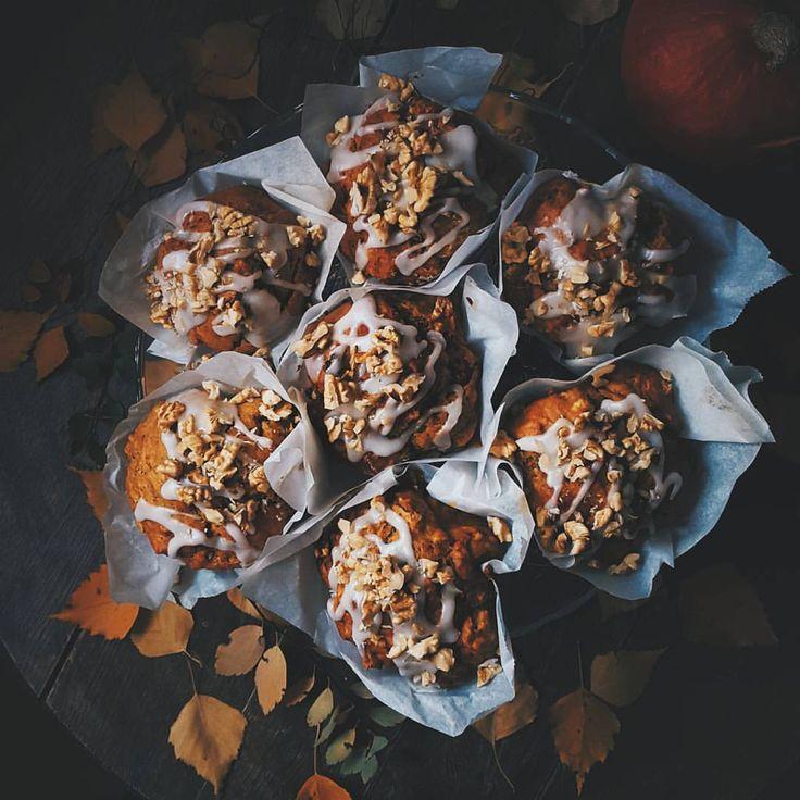 Oatmeal pumpkin muffins. #halloween #pumpkin #oat #muffins #treat