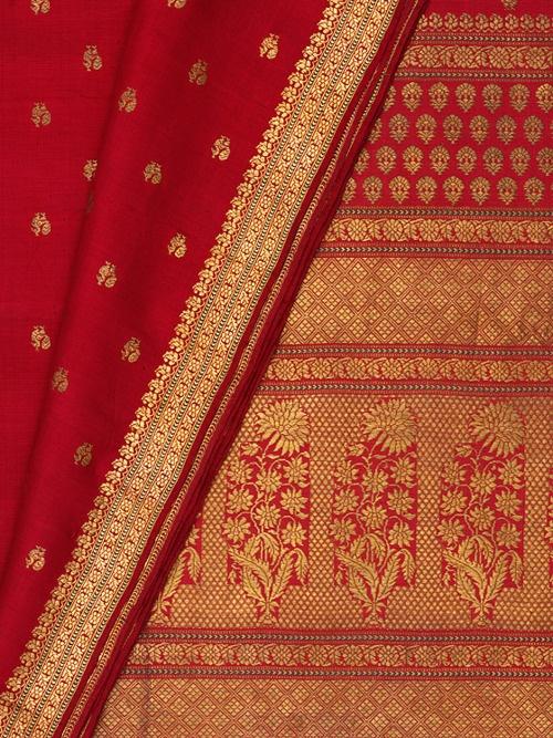 Sari from Varanasi (c.1850) from the Victoria & Albert Museum.