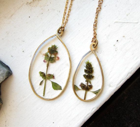 Holy basil (Ocimum tenuiflorum) || In the Looking Glass Real Pressed Flower Necklace