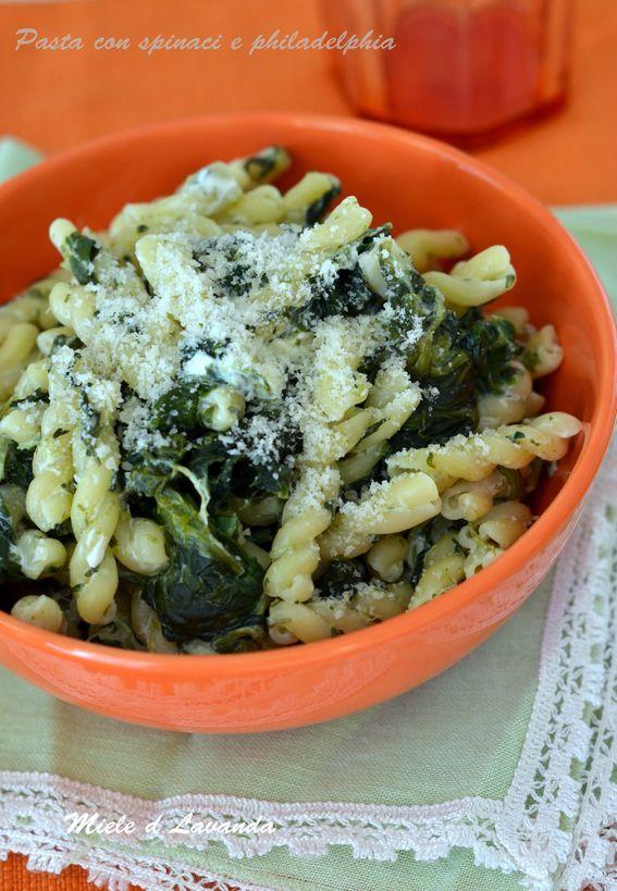 Pasta con spinaci e philadelphia