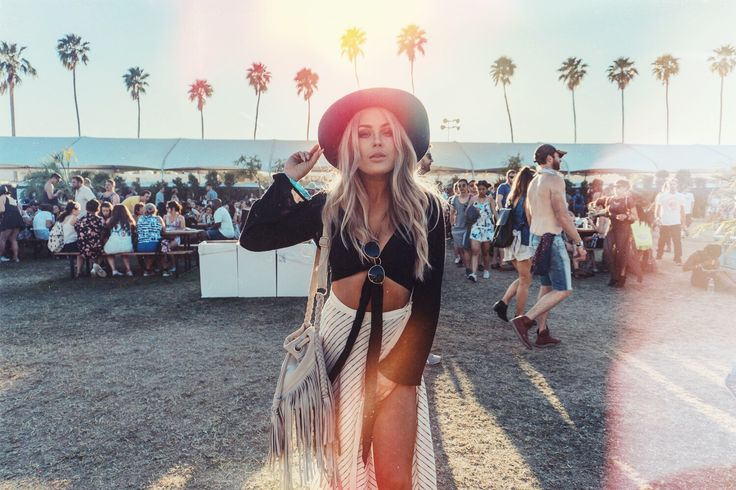 COACHELLA / DAY 3 (Angelica Blick)