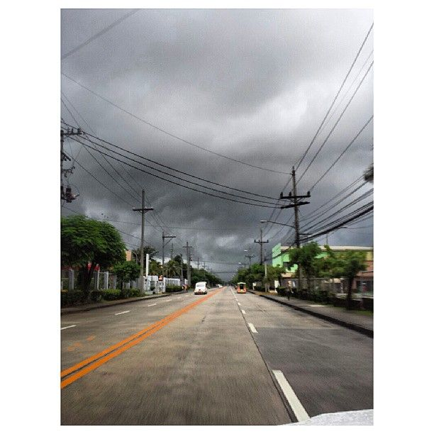 #dark #sky #clouds #monsoon #philippines 暗い #空 #雲 #モンスーン #フィリピン