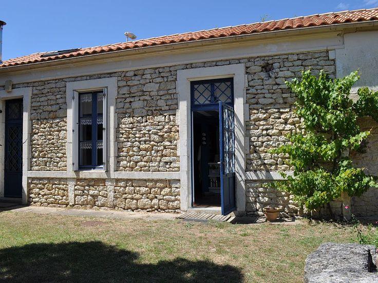 Saint-Georges-d'Oléron, Maison de vacances avec 4 chambres pour 10 personnes. Réservez la location 1343358 avec Abritel. Maison sur l'Ile d ' Oléron pour 8 à 10 personnes à 500 m de la plage