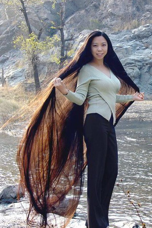 Women With Long Hairs (15 Photos)