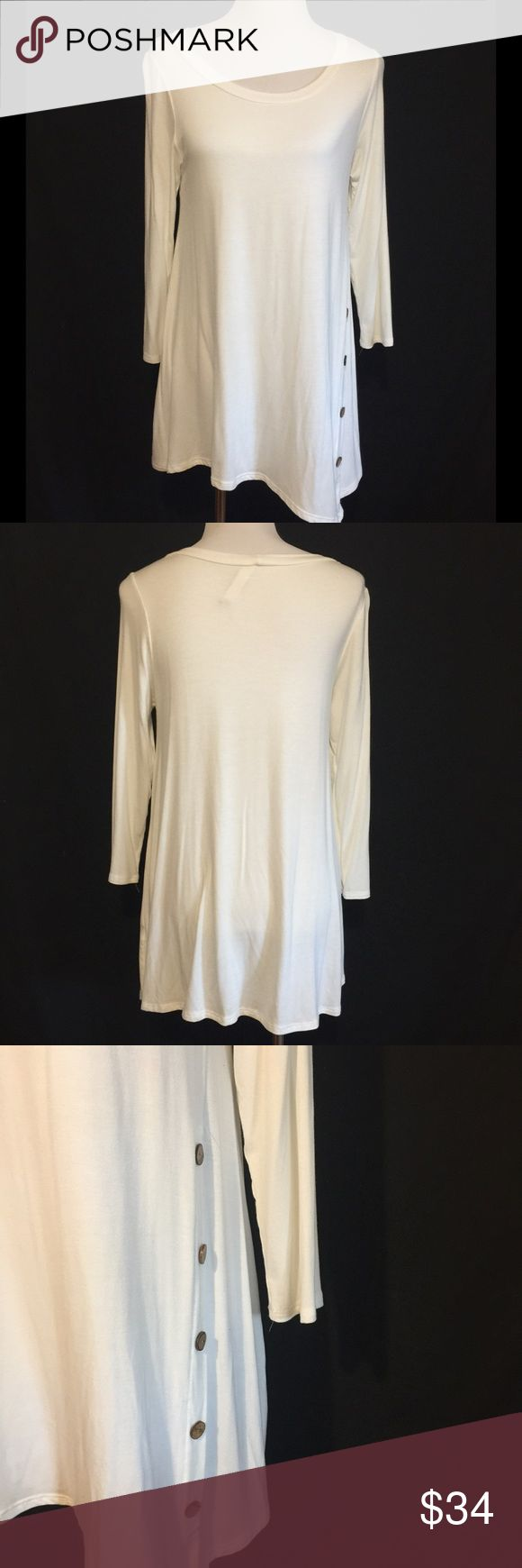 BUTTON DETAIL LONG TUNIC NWOT perfect for leggings! Tops Tunics
