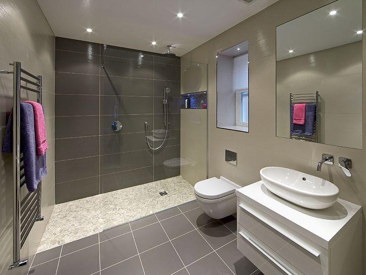 Werten Sie Ihr Badezimmer Durch Ein Gläsernes Duschsystem Auf. Nutzen Sie  Jetzt Unseren Konfigurator Und Entwerfen Ihre Individuelle Glasdusche.