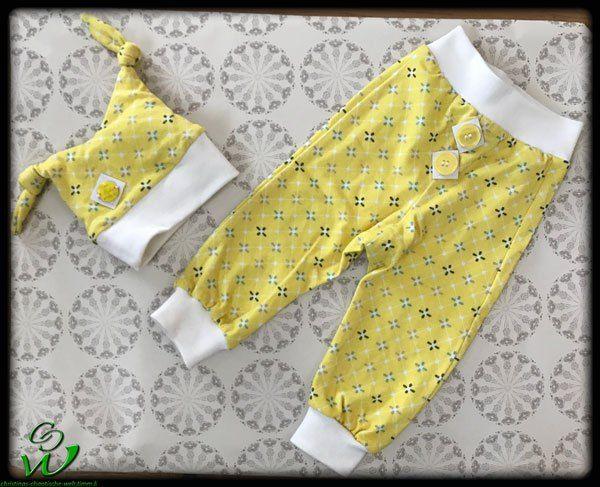 Knotenmütze und Babyhose Motti als Erstlingsset als Weisat #aefflyn #nähenfürkinder #sewingforkids #nähen #diy #selbstgemacht #erstlingsmütze #knotenmütze #nähenfürmädchen #nähenfürjungs #sewingforboys #sewingforkids #sewingforgirls #sewing #hosemotti #motti #hose #pants