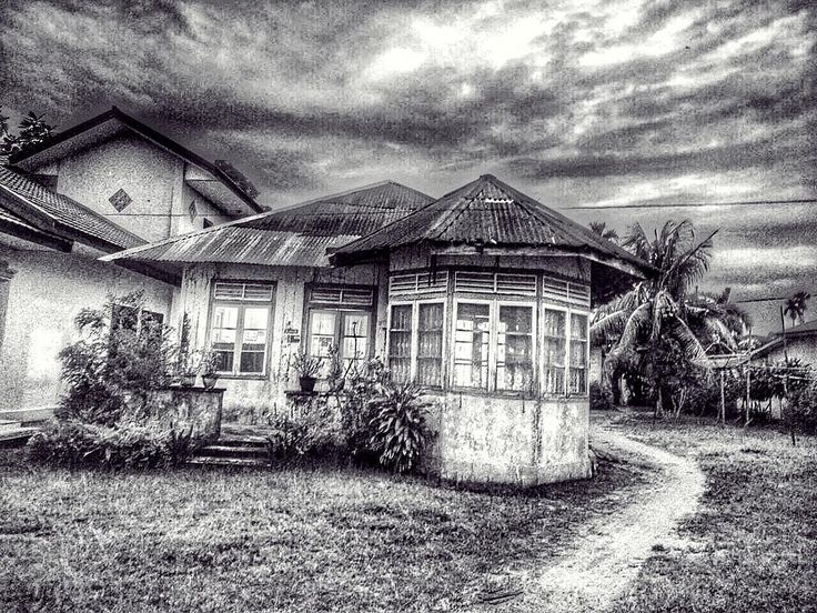 The Place Called Home #happy #bahagia #visitbelitung #belitung #babel #indonesia #bnw_society #bnwmood #bnw #bnw_life #bnw_demand #bnw_captures #bnw_shot #bnw_belitung #bnw_indonesia #bnw_indonesia_photography