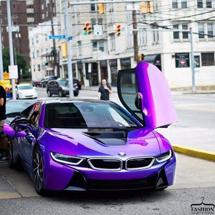 The i8 is already a progressive car, why not add a little flair, right?