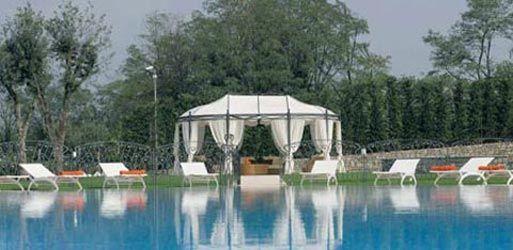Sistemazione spazi esterni e creazione nuova piscina - Piscina e nuovo bersot - Carobbio degli Angeli (BG) Luglio 2006 - Fotografo Paolo Stroppa