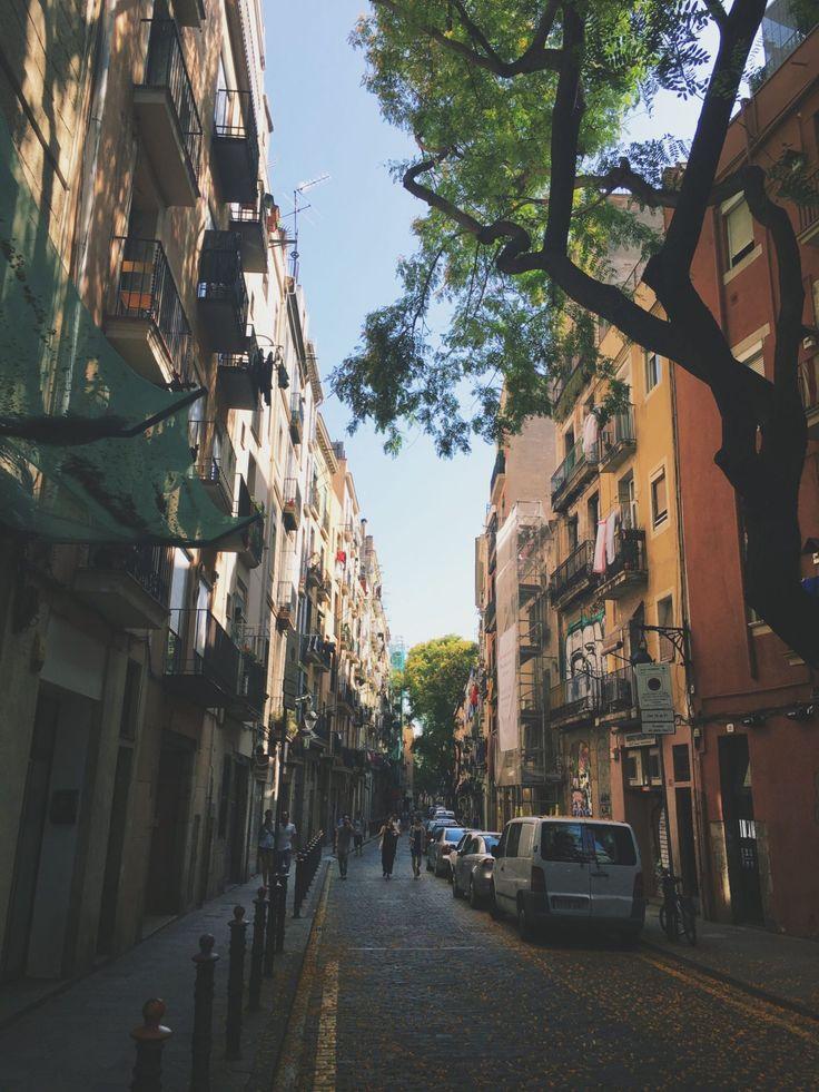 Barcelona streets | #ElaishaGoes to Barcelona: Photo Story & City Guide