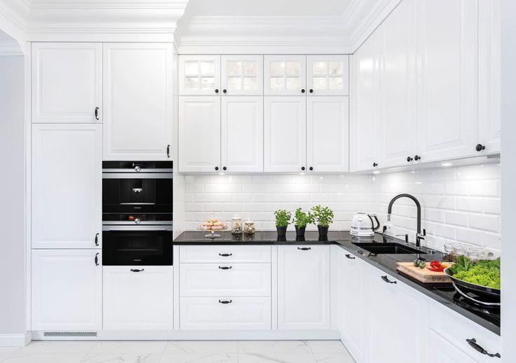 Natursteinarbeitsplatte nero marinace mit polierter oberfläche ein toller kontrast zu hellen küchenmöbeln küchenarbeitsplatten pinterest