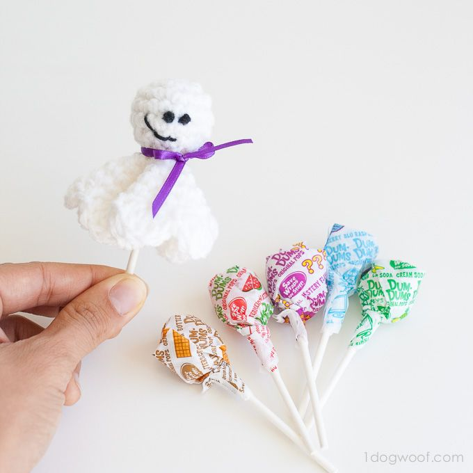 awesome lollipop ghost crochet pattern created by one dog woof find the free pattern here - Free Halloween Knitting Patterns