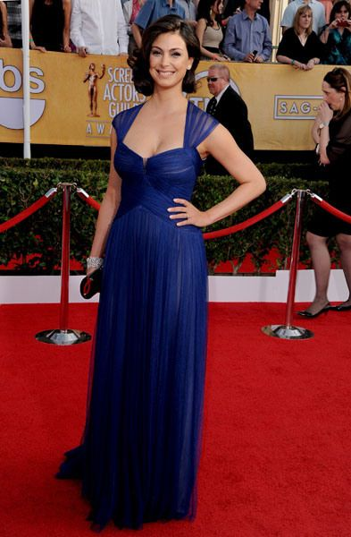 Morena Baccarin is the night's most glamorous new mom. The 'Homeland' star was stunning in a cleavage-baring dark blue Monique Lhuillier gown.
