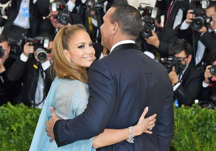 J.Lo y A-Rod abren su corazón y sus carteras para los damnificados en Houston - El Diario NY (Comunicado de prensa)