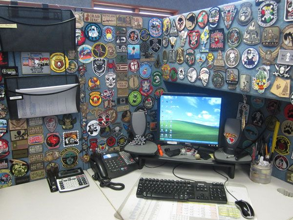 The 128 best images about decorated cubicles on pinterest for Creative cubicle ideas