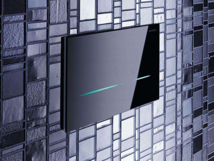 Geberit Sigma80: Ödüllü tasarıma sahip Geberit Sigma80 fotoselli kumanda kapağı, ayarlanabilen 5 farklı LED ışığı rengiyle banyolarınıza şıklık katacak.