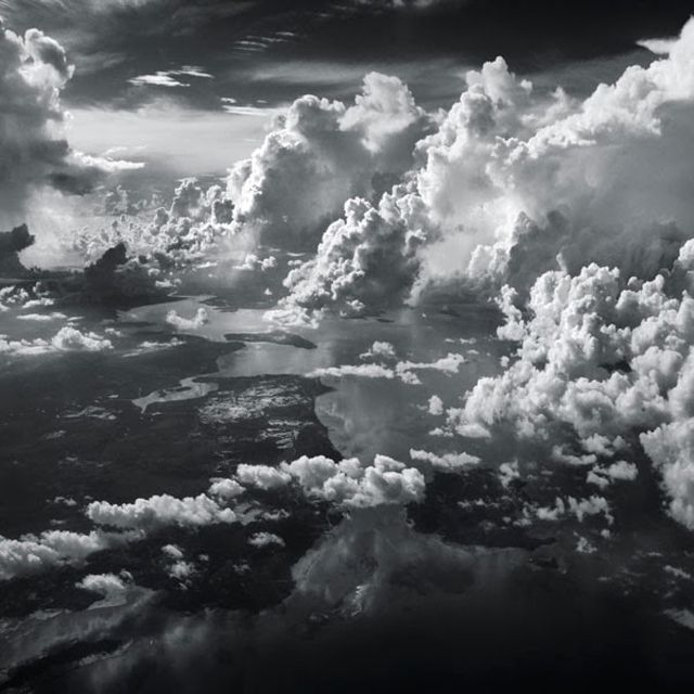 Indonesian photographer Hengki Koentjoro takes photos from the window of a plane | O fotógrafo indonésio Hengki Koentjoro tirou essa foto da janela de um avião.