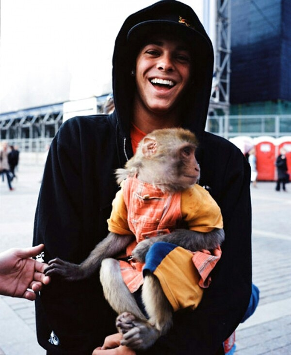 Ryan Sheckler and a monkey!!!