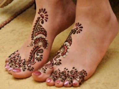 Summer wedding henna feet!