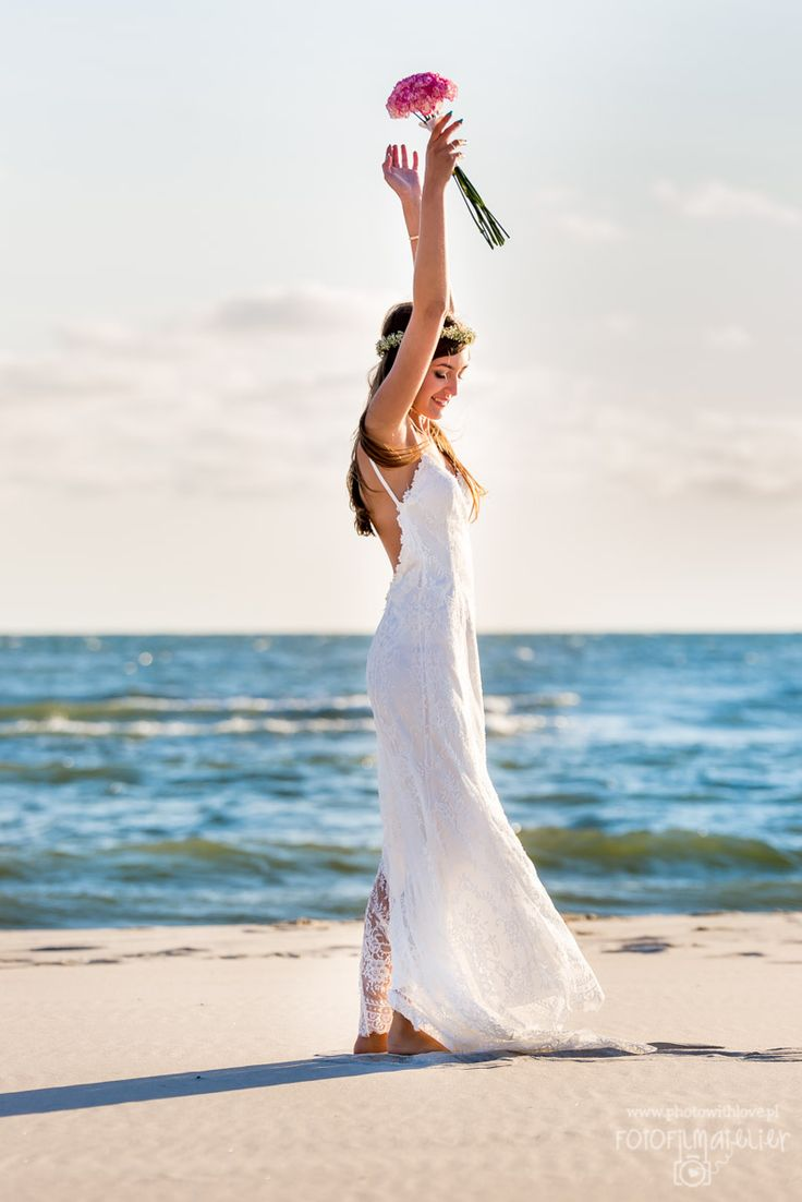 my perfect beach wedding dress - bride dance