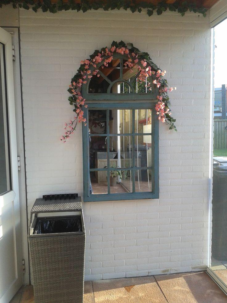 raam spiegel, heel leuk ook voor in huis, van intratuin