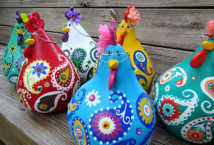 DIY Adorable Chickens made from gourds!