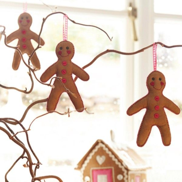 Make your own Scandinavian style Christmas decorations with this simple gingerbread men sewing project