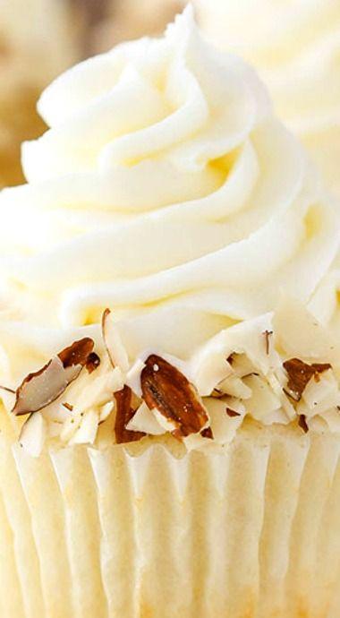 Almond Amaretto Cupcakes ^