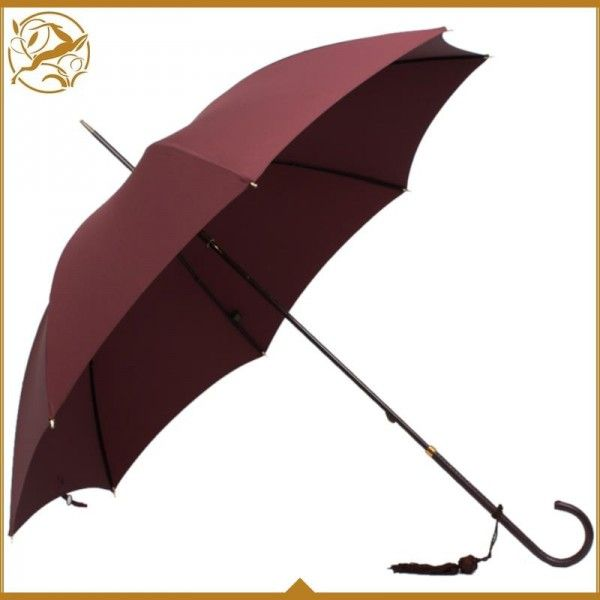 This exquisite Fox #umbrella is hand made in England. Perfect for the British weather! Find it here> https://www.kensington-bespoke.uk/fox-ladies-umbrella-in-bourdeau #LuxuryBrands