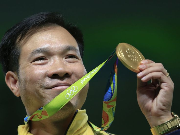 Vietnam has won its first gold medal since it began competingin the Olympic Games more than 60 years ago, after it beat host country Brazil and rival China in the men's 10-metre air pistol competition. Hoang Xuan Vinh, a41 year-old army colonel,made history in Riobyracking up a score of 202.5 in 20 shots and firing a near bullseye to take gold.